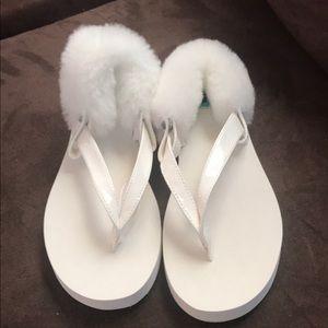 Ugg laalaa flip flops size 3 NWT